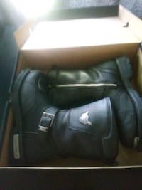 black leather boots in box San Antonio, 78237