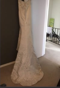 White floral beautiful wedding dress only bought a year ago  London, N6E 2A1