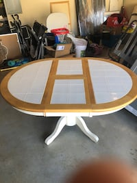 Dining room table Jefferson, 30549