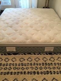 Kings down Romance mattress in excellent condition comes with spring boxes Vaughan, L4H 1C0