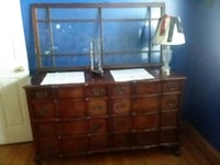 Mahogany dresser and chest of drawers Clarendon Hills, 60514