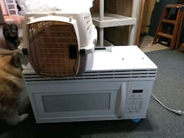 Working microwave and small pet carrier