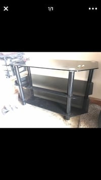 """TV stand fits up to 50""""  Long Beach, 90804"""