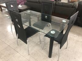 Glass table with 4 Chairs New, Moving Sale!