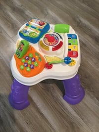 Baby's white and purple activity table Severn, L3V