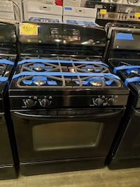 GE  gas stove in black excellent conditions