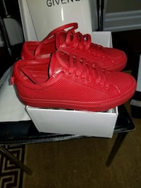 Givenchy Sneakers  Vaughan, L4H 2M4
