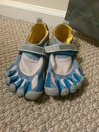 pair of blue-and-gray sandals Palm Coast, 32137