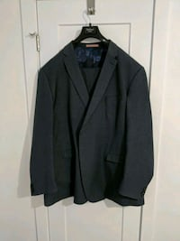 Mens suit 794 km