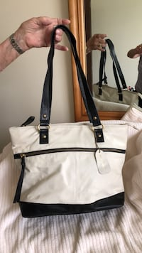 Stone Mountain White and black leather tote bag FREDERICK