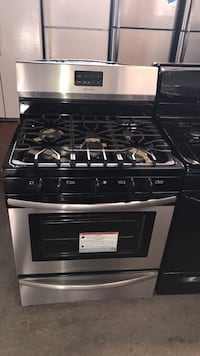 New Frigidaire gas stove 5 burners 6 months warranty Owings Mills, 21117