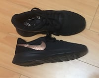 Brand new Women's Nike shoes Burnaby, V5E 1R7