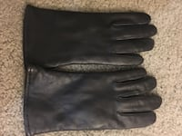 New pair of unisex size 7 quality leather Gloves Alexandria, 22306