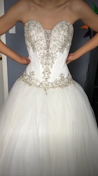 women's white strapless sweetheart gown