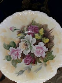 Old China plates,cups and bowls.