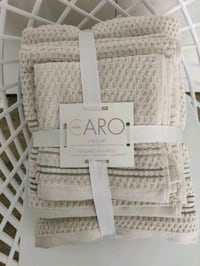 New Caro pack of 6 towels Vancouver