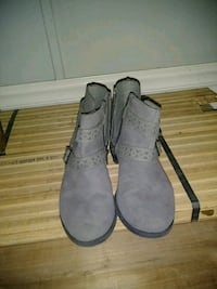 pair of gray suede boots Stafford, 22554