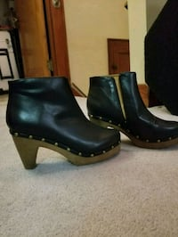 Faux Leather booties Cuyahoga Falls, 44221