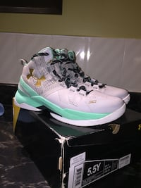 Curry 2 Easter size 5.5