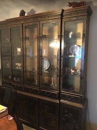Large fine china curio cabinet for sale in great condition Fort Washington, 20744