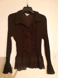 Brown pleated buttoned blouse .by Jessica says sz  medium  Montreal, H2M