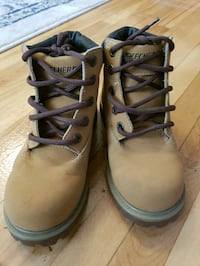 Sketchers boots size 1