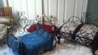 Small dog or cat beds 60 each.  Annapolis, 21409