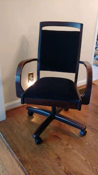 black and blue rolling armchair Alexandria, 22308