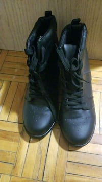 Never worn All black sneakers with wedge heel Mississauga, L4X 1P7