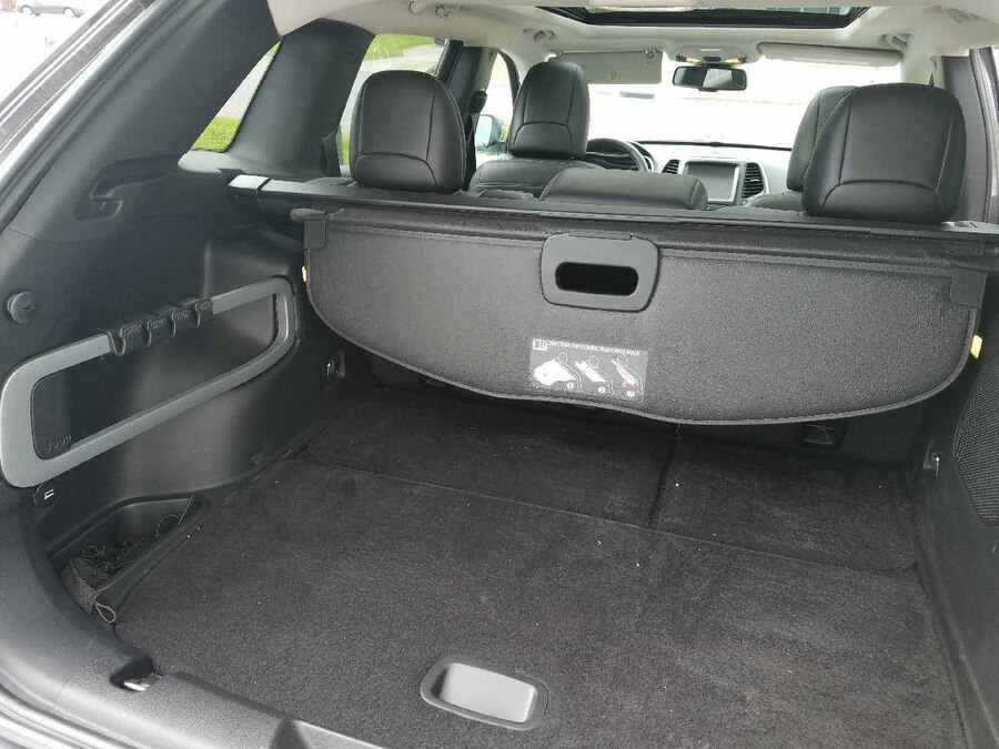 used jeep cherokee cargo cover in chesapeake city. Black Bedroom Furniture Sets. Home Design Ideas