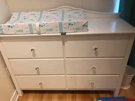 Dresser/commode blanche