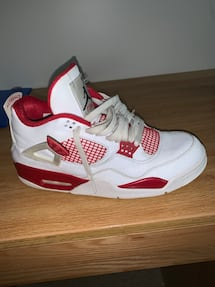 Jordan 4 Varsity Red sz US 10