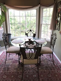 Glass breakfast dining table Hagerstown