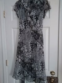 Dress by MSK size 6 with slip thrown in. Saint Charles, 20602