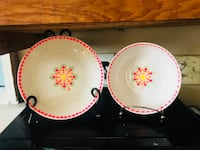two white-and-pink floral ceramic plates Charleston, 29403