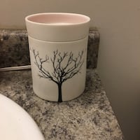 SCENTSY TILIA WARMER*SERIOUS INQUIRES ONLY PLS! Springfield, R0E