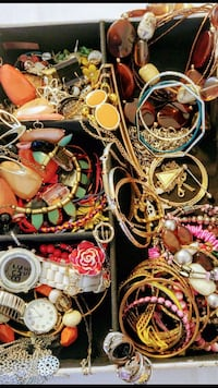 Jewelry Lot Farmington, 84025