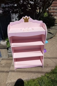 Free Girls Bookcase