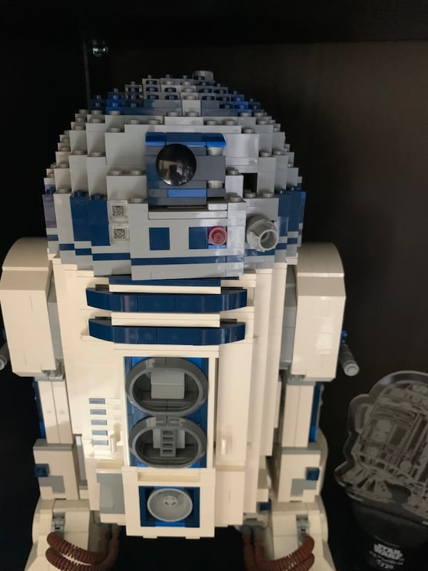 Collectible Lego R2D2. Sold as it is without original box 8d2ac665-f21f-4461-a450-7adb0ea951a6