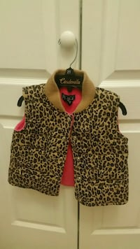 Girls winter overcoat size 2. Generous fit Mississauga, L5A