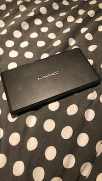 Customizable MAC shadow palette Vancouver, V5W 1M2