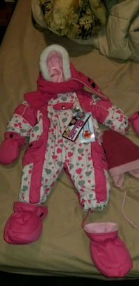 ** BLIZZ Snow suit** BRAND NEW