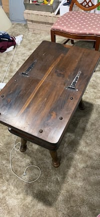 Flip top wooden end table
