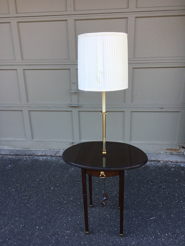 Used Ethan Allen Solid Cherry Wood Table Lamp Excellent Condition