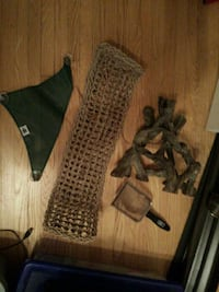 Reptile Hammocks and scoop +log Whitchurch-Stouffville, L4A 4Y8