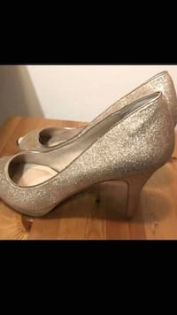 High heels size 8-10. Selling them individually  Calgary, T2R 0H9