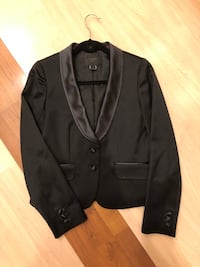 J Crew collection tuxedo size 4 Arlington, 22202