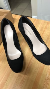Pair of black real suede heels Aldergrove, V4W 2R7
