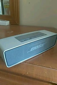 Bose sound link mini speaker 8.5/10 Toronto, M3J 3P1