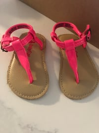 Baby Gap hot pink sandals size 1. For 0-3 month old Fonthill, L0S